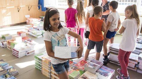 Ősztől ingyen kaphatják a tankönyveket az általános iskolások