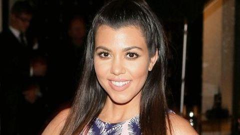Helló, Kourtney Kardashian premier plán feneke vagyok
