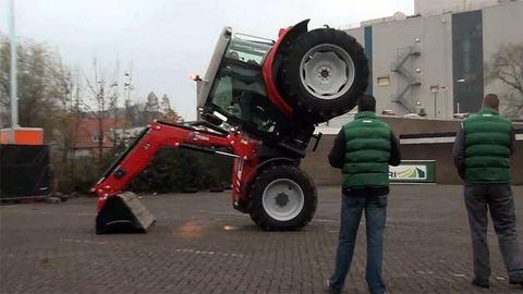 Traktorral is lehetsz szuperhős!