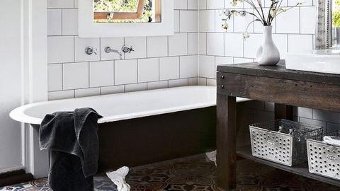 7 mód, ahogy feldobhatsz egy régi fürdőszobát – felújítás nélkül!