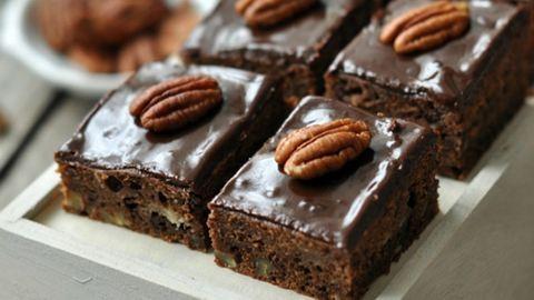 Megoldás rossz időre: süss csokis sütit!