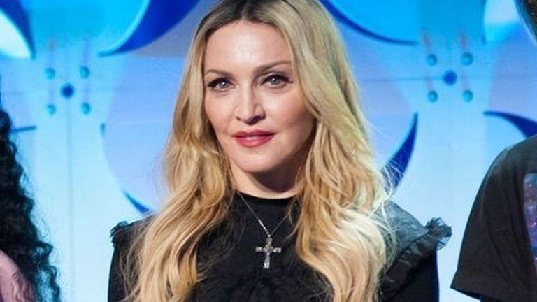 Madonna jóval emberibb smink nélkül
