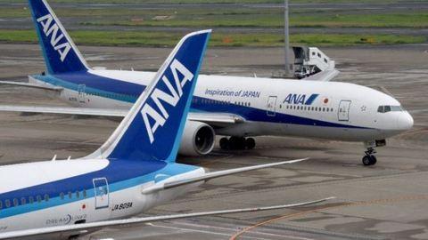 Durva verekedés miatt késett másfél órát a repülőgép – videó