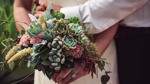 5 csodaszép esküvői csokor, amely nem virágból készült