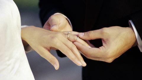 Extrém esküvők a múltból: egy nap után összeházasodtak, 7 évet vártak a nászéjszakára