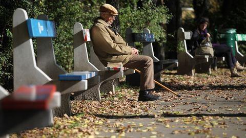 Vádat emeltek az időseket átverő csalók ellen