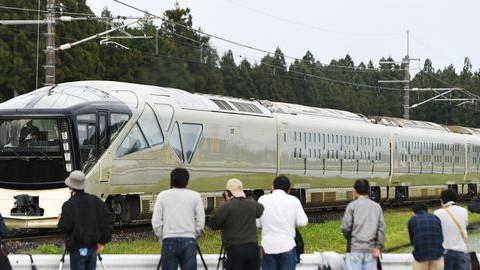 Így néz ki a kötöttpályás luxus Japánban