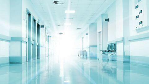 12 órát váratták a budapesti kórházban a szívbeteg Pétert