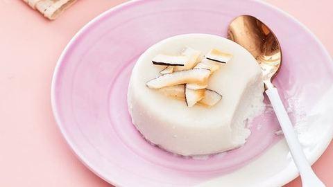 Mennyei kókuszos panna cotta, amelyből a laktózérzékenyek is ehetnek