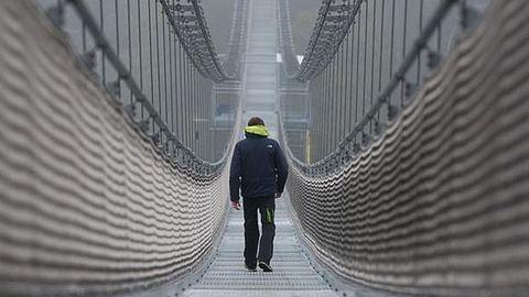 A világ leghosszabb gyalogos függőkábelhídját adták át Németországban