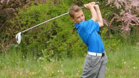13 éves fiú alázta a felnőtt golfozókat a balatoni kupán
