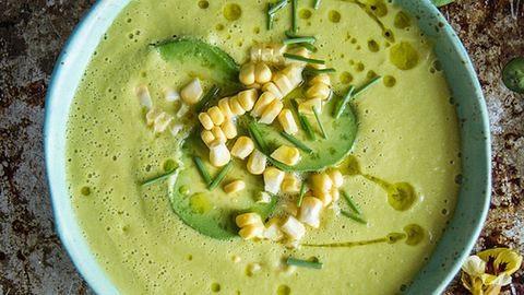 Könnyű ebéd, tavaszi napokra: kukoricás-avokádós krémleves