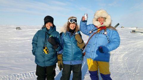 23 órán át menekült a jegesmedve elől a magyar lány