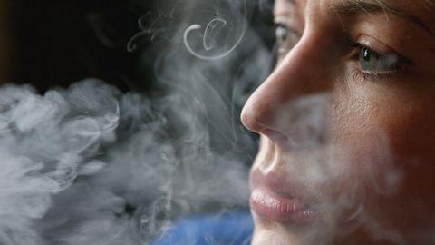 Ember, szépen kérlek, ne fújd rám a cigifüstöt!
