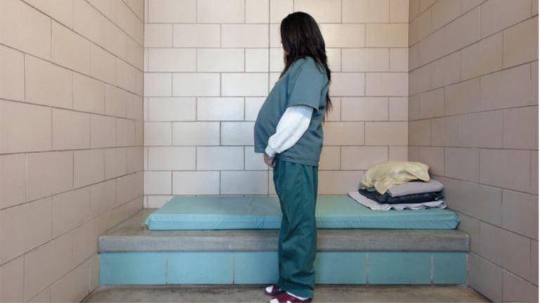 Íme a dúla, akitöbb mint 1000 kismamának segített a börtönben
