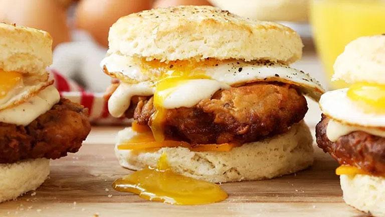 A reggeli szendvicsekben nem ritkaság a tojás (Fotó: Tumblr)