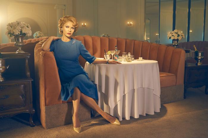 Catherine Zeta-Jones, mint  Olivia de Havilland
