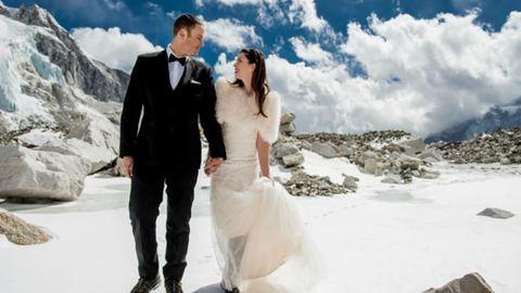 A világ tetején házasodott össze a fiatal pár