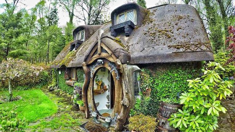 Saját hobbitházat épített a Gyűrűk Ura rajongó