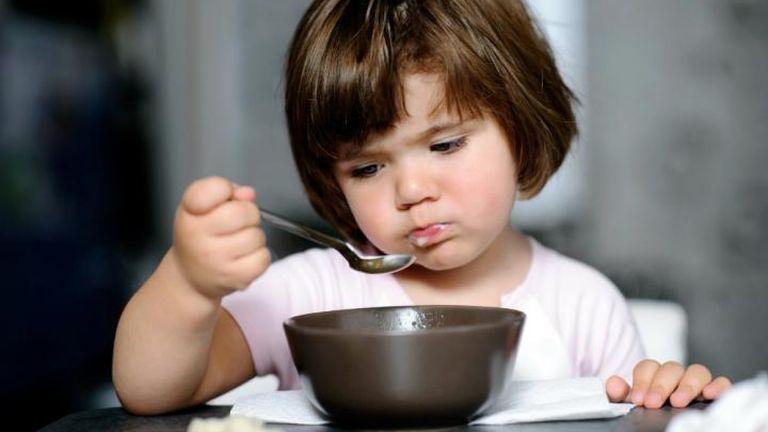 Bántalmazás, ha ráerőlteted a gyerekre a reggelit