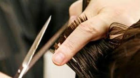 Sose akard, hogy József vágja a hajadat