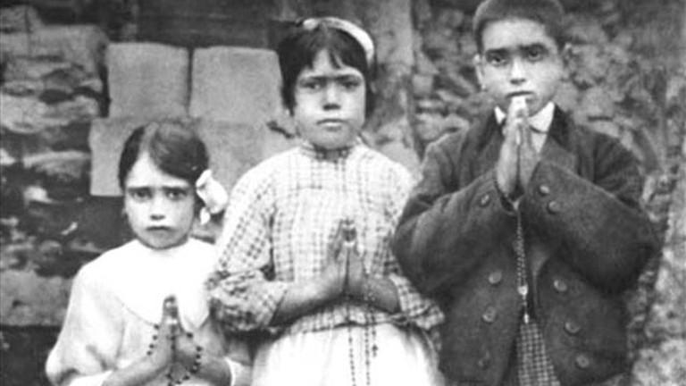 Két pásztorgyereket avatott szentté Ferenc pápa