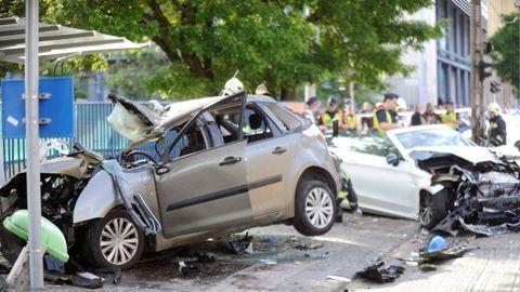 Fiatal férfi halt meg a budapesti buszmegállós balesetben