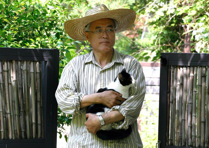 Dél-Korea miniszterelnökénél nincs nagyobb állatbarát - cuki fotók