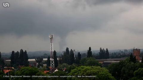 Tornádót videóztak Debrecenben