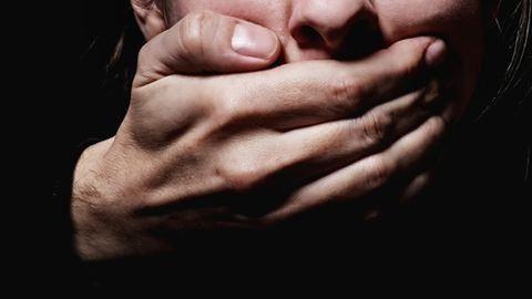 Iskolaigazgató erőszakolta sorra a tanulókat