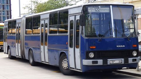 Forgalomból kivont buszok is visszatérnek a metrópótlásra