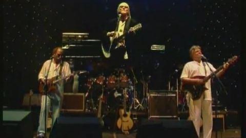 14 év után újra koncertezik a Fonográf