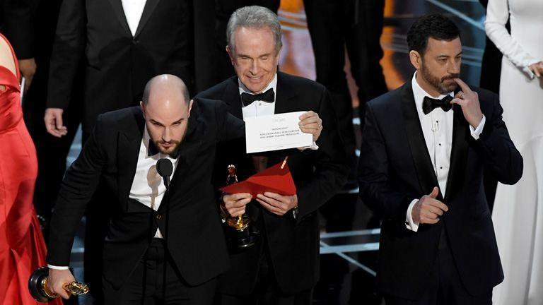 A kínos Oscar-baki ellenére Jimmy Kimmel marad a műsorvezető