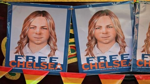 Szabadon engedték a Wikileaks-iratok kiszivárogtatóját