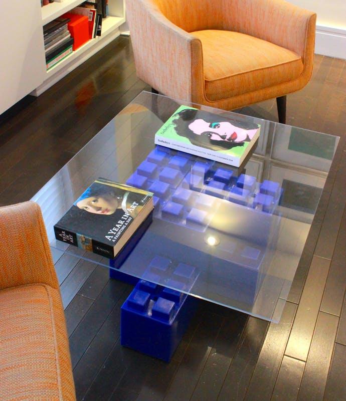 Az albérlők megmentői: hatalmas LEGO-kockák, többfunkciós bútorokhoz