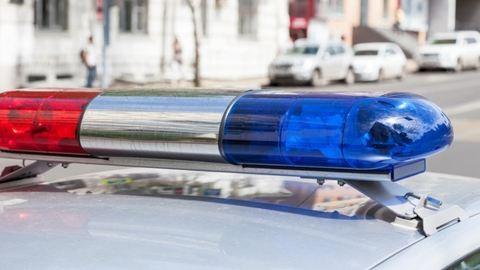 8 éves kislányt tartóztattak le, mert autót tört fel