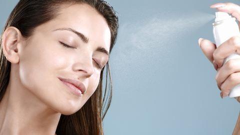 5 frissítő és ápoló arcpermet