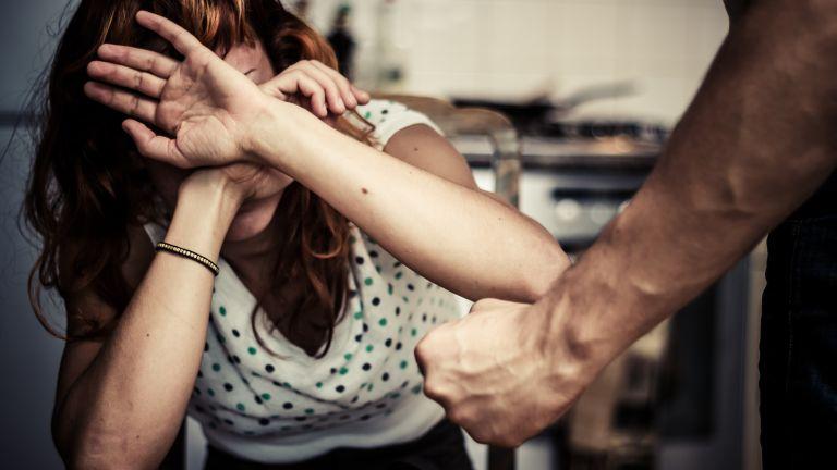 Ezért üti meg a férfi a nőt a pszichológus szerint