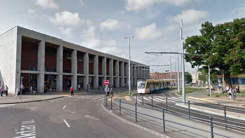 Így veszik el a pénzed a debreceni vasútállomáson