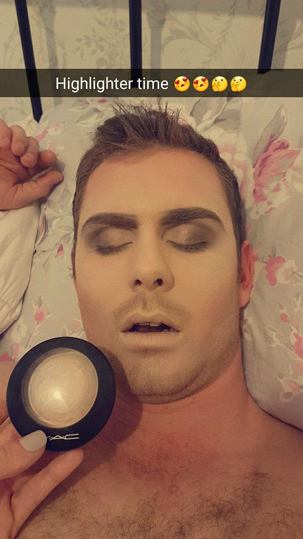 Így jár az, aki elalszik, amikor romantikus programot ígért a barátnőjének