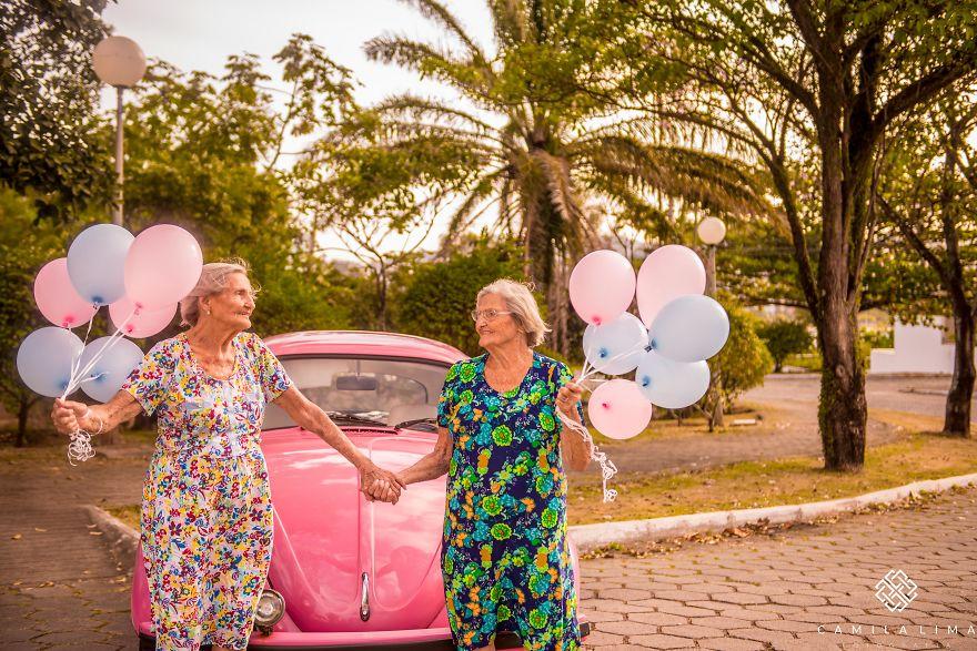 Így ünnepelte születésnapját a 100 éves ikerpár