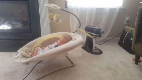 Ezen a babanyugtató megoldáson háborog az internet