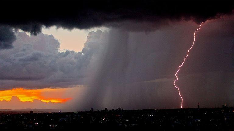 Holnap leszakadhat az ég, sárga riasztás van érvényben