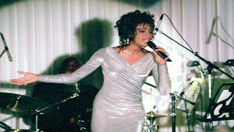 Film készült Whitney Houstonról, benne soha nem látott felvételekkel
