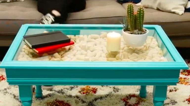 DIY: mutatós kisasztal egy régi képkeretből