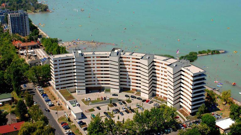Ennyi millióért lehetnek nyugodt nyugdíjas éveid a Balatonnál