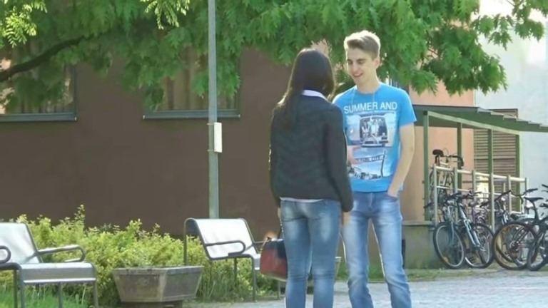 Rejtett kamerával csajozott Debrecen utcáin Bence