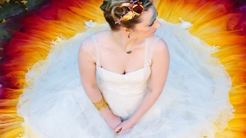Gyönyörű lett a festékbe mártott menyasszonyi ruha