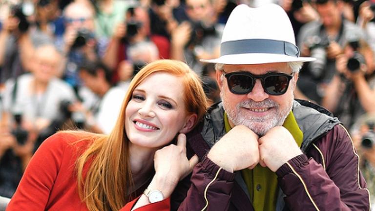 Jessica Chastain és Pedro Almodóvar Cannes-ban. Forrás: Tumblr