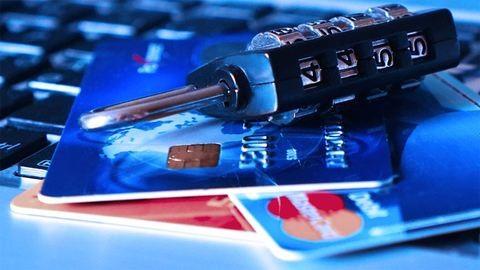 Több ezren nem jutnak pénzükhöz a netbank leállása miatt